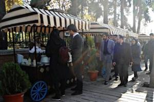 فعالیت غیرقانونی فروشندگان فاقد کارت سلامت در خیابان سی تیر/جزییات روند نظارت وزارت بهداشت بر خیابان سی تیر