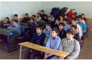 کمبود منابع مالی علت تراکم دانشآموزان در کلاسهای درس