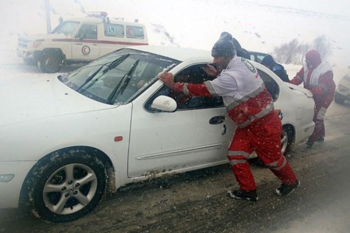برف امداد هلال احمر