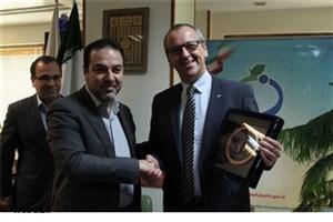 همکاری های ایران و یونیسف در زمینه واکسن زبانزد منطقه است