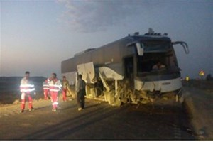 مصدوم شدن  56 مسافر در انحراف اتوبوس در قزوین