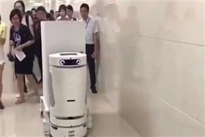 ربات ها جایگزین بهیارهای چینی شده اند