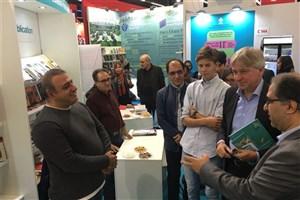 رئیس نمایشگاه فرانکفورت از غرفه ایران بازدید کرد