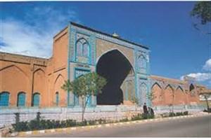 مسجد جامع سنندج به اندازه مساحت مفید آن مفروش بوده است