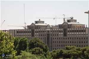 انتقاد خلیل آبادی به خاطر بستن خیابان مردم و دیوارچینی ساختمان قدیم مجلس شورای اسلامی