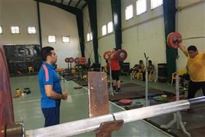 رقابت سنگین در فوق سنگین وزنه برداری