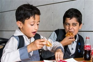 40درصد دانش آموزان ایرانی چاق هستند/توصیه های یک متخصص  در روز جهانی غذا