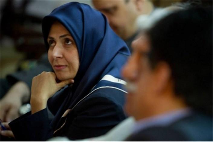 مطبوعات ایران هنوز به صنعت تبدیل نشده است/وزارت ارشاد به رفع مشکلات اهالی رسانه ورود کند