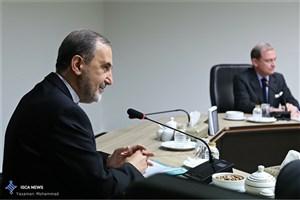 دکتر ولایتی با فرستاده فرانسه در امور سوریه دیدار کرد