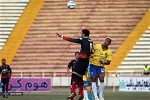 پیروزی 2 بر یک تیم نفت تهران برابر سیاه جامگان در نیمه نخست