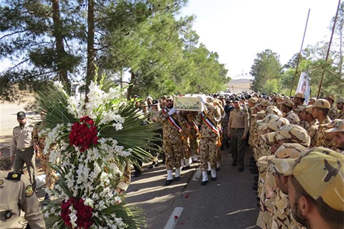 تشییع و تدفین شهید گمنام دفاع مقدس  در امادگاه مهماتی نزاجا