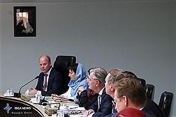 دیدار دکتر ولایتی با رئیس کمیسیون روابط خارجی مجلس نمایندگان هلند