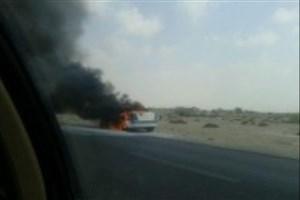 آتش گرفتن خودروی پلیس در جاده بندر عباس- میناب