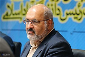 با مدیریت جدید، انقلاب را به دانشگاه آزاد اسلامی بازمی گردانیم