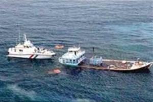 توقیف دو لنج خارجی در آبهای جزیره کیش