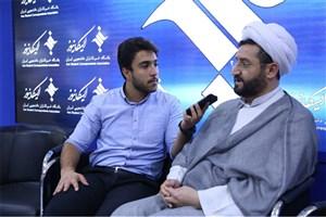 فومنی:  روحانی اوصولگرا شده است!  /دولت به شعارهای انتخاباتی خود پایبند نبوده است/