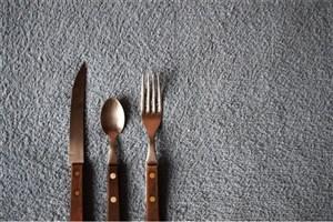 تنهایی غذا خوردن برای سلامتی مضر است