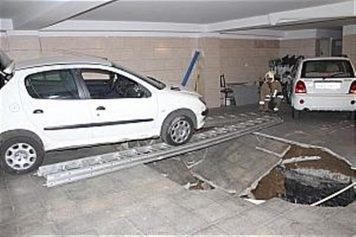 استفاده از پارکینگ های مجتمع های تجاری رایگان است