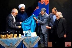 حداد عادل: ادبیات انقلاب اسلامی دو شاخه پربار دارد