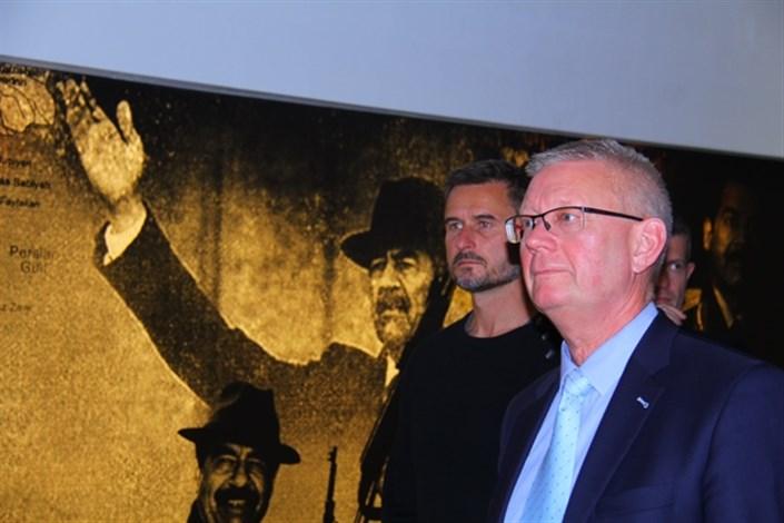 بازدید رییس کالج سلطنتی دفاع دانمارک از موزه انقلاب اسلامی و دفاع مقدس