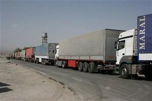 آمد وشد کامیون در محورهای منتهی به مهران ممنوع است