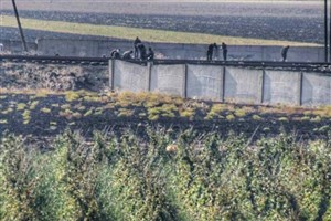 تروریست های جبهه النصره در حال سرقت ریل راه آهن