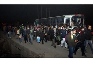 آغاز بازگشت زائران اربعین از  آزادراه قم- تهران و ساوه تهران /مشکل ترافیکی نداریم