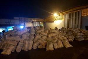 زلزله کرمانشاه ارسال کمکهای ستاد اجرایی فرمان امام به زلزلهزدگان