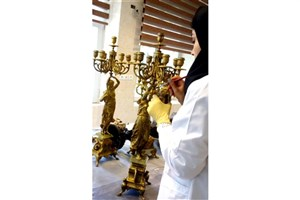 پایان پروژه مطالعه هنری و مرمت یک جفت  شمعدان فلزی در سعدآباد