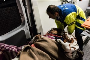 وزیر بهداشت: مصدومان زلزله پس از ترخیص رها نمی شوند/ اسکان همراهان مصدومان