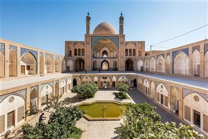 The 19th-Century Mosque: Gorgeous Blend of Islamic, Persian Architecture