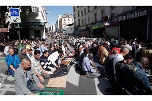 جلوگیری فرانسه از نماز خواندن مسلمانان در خیابان