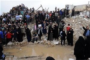 دغدغه جدی پلیس برای کمک به آسیب دیدگان / بازدید مستمر فرمانده ناجا از مناطق زلزله زده
