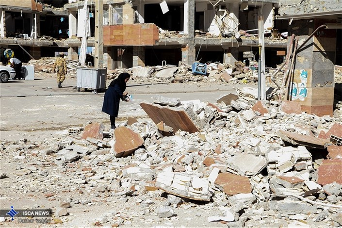 تلاش مردم زلزله زده  سر پل ذهاب  بعد از شش روز