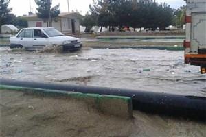 بارش باران در سرپل ذهاب منجر به آبگرفتگی خیابانها و معابر شد