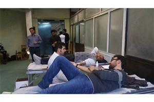 اهدای خون به زلزله زدگان غرب کشور در واحد بناب