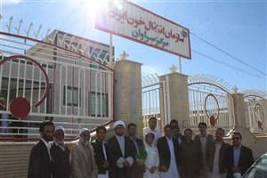 کارکنان و دانشجویان دانشگاه آزاد اسلامی واحد سراوان به زلزله زدگان غرب کشور خون اهدا کردند