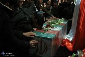 تشییع پیکر مدافع حرم در بیرجند