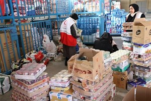 توزیع بیش از۱۳ هزار بسته غذایی یک ماهه درمناطق زلزله زده کرمانشاه