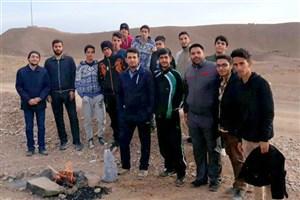 کوهپیمایی دانشجویان بسیجی دانشگاه آزاد اسلامی سمنان به مناسبت گرامیداشت هفته بسیج