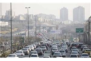 ترافیک نیمهسنگین صبحگاهی در معابر بزرگراهی تهران/ حضور مأموران پلیس راهور به منظور مدیریت بر ترافیک و تسهیل در تردد