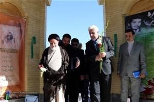 رئیس دانشگاه آزاد اسلامی به واحد سمنان رفت
