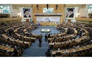 ایرانیها در سایه تحریمهای آمریکا پایبندی خود به آرمانهای انقلاب اسلامی را ثابت کردند