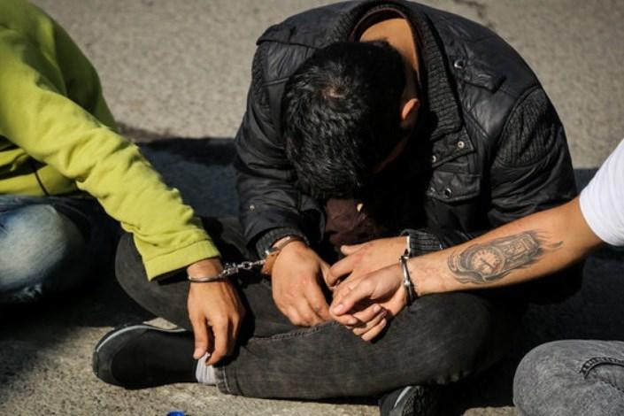 دستگیری باند سارقان لوازم تاکسی ها