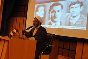 استقلال طلبی و آزادی خواهی  دو ویژگی جنبش دانشجویی بود