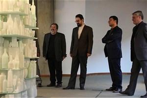 بازدید معاون هنری وزارت ارشاد از نمایشگاه موزه هنرهای معاصر تهران
