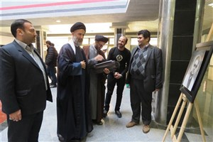 برپایی نمایشگاه نقاشی در دانشگاه آزاد اسلامی گرگان