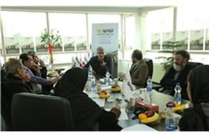 هدف جشنواره عکس و کاریکاتور آشتی صنعت با هنر است