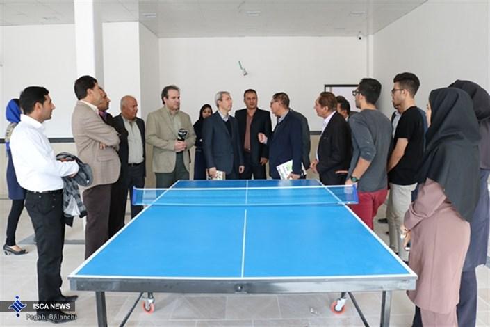 بازدید رییس فدراسیون تنیس روی میز کشور از تالار ورزشی دانشگاه آزاد اسلامی اوز