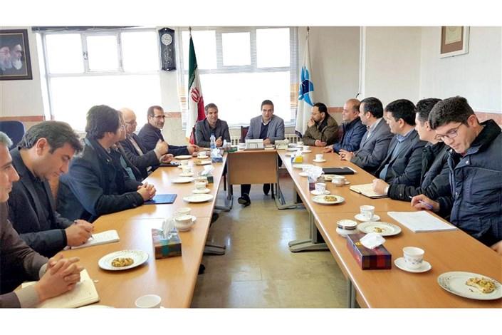 جلسه مسئولان دانشگاه آزاد اسلامی و شرکت آب منطقه ای اردبیل